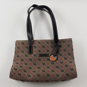 Dooney and Bourke cute canvus purse